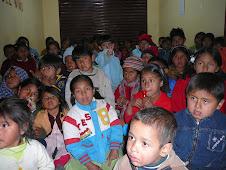Grupo de crianças na escola dominical