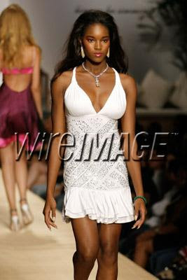 babyphat1 NY Fashion Week Nail Watch   Baby Phat