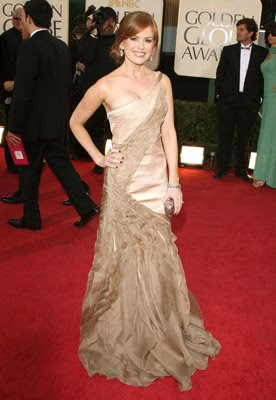 red nails isla fisher golden globes 2009 Golden Globe Nail Watch   Red &amp; Vampy Ladies