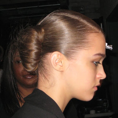thakoon nyfw fw09 backstage hair 2 ALU at NYFW   Backstage at Thakoon