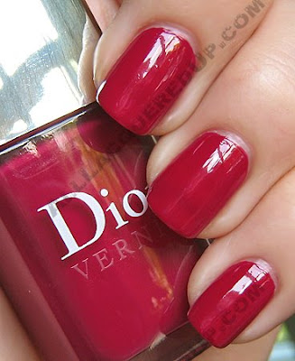 dior dahlia rouge vernis fall 2009 Dior Vernis Fall Nail Lacquers Swatches &amp; Review
