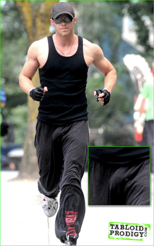 Male Actors Go Commando http://www.zimbio.com/Kellan+Lutz/articles/c4kfVrCTxcZ/Kellan+Lutz+Bulge