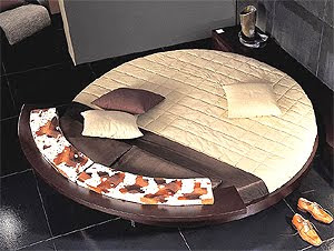 Luxury Histoire Liniear Bed Suite Furniture