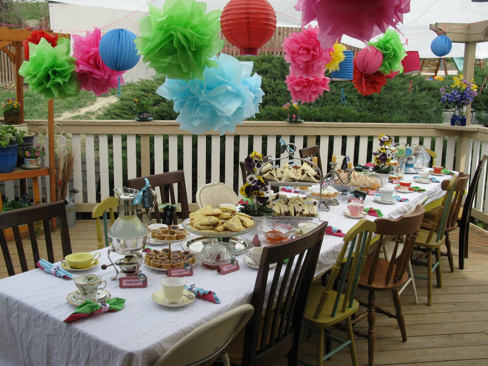 Sara 39 s mad hatter tea party bridal shower on pinterest for Table decoration ideas for parties