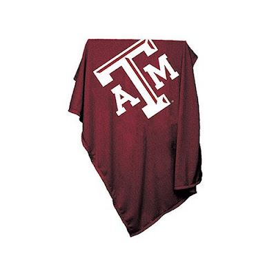 Texas A&M sweatshirt blanket throw that is maroon.