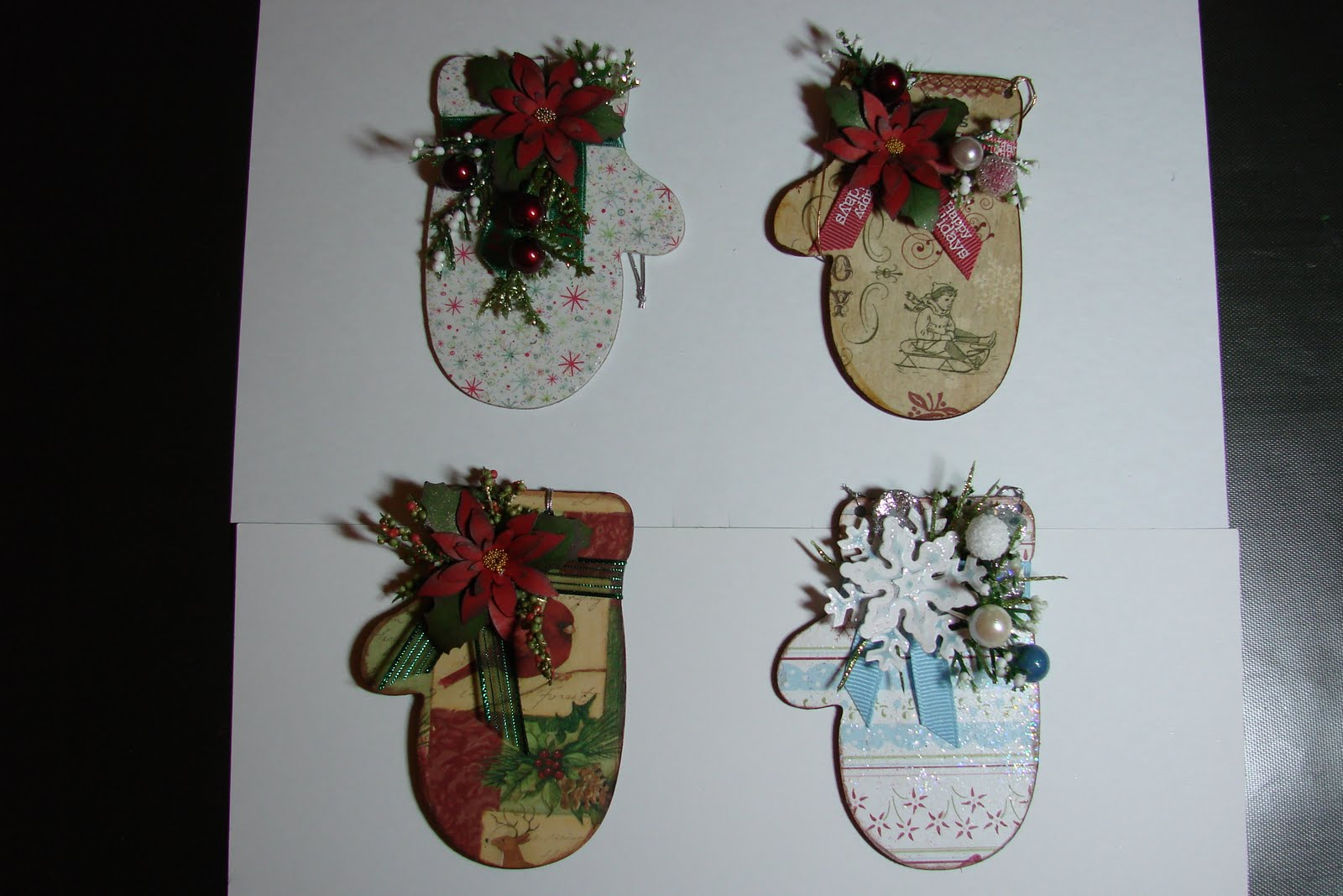 Mitten christmas decorations - Christmas Mitten Ornaments
