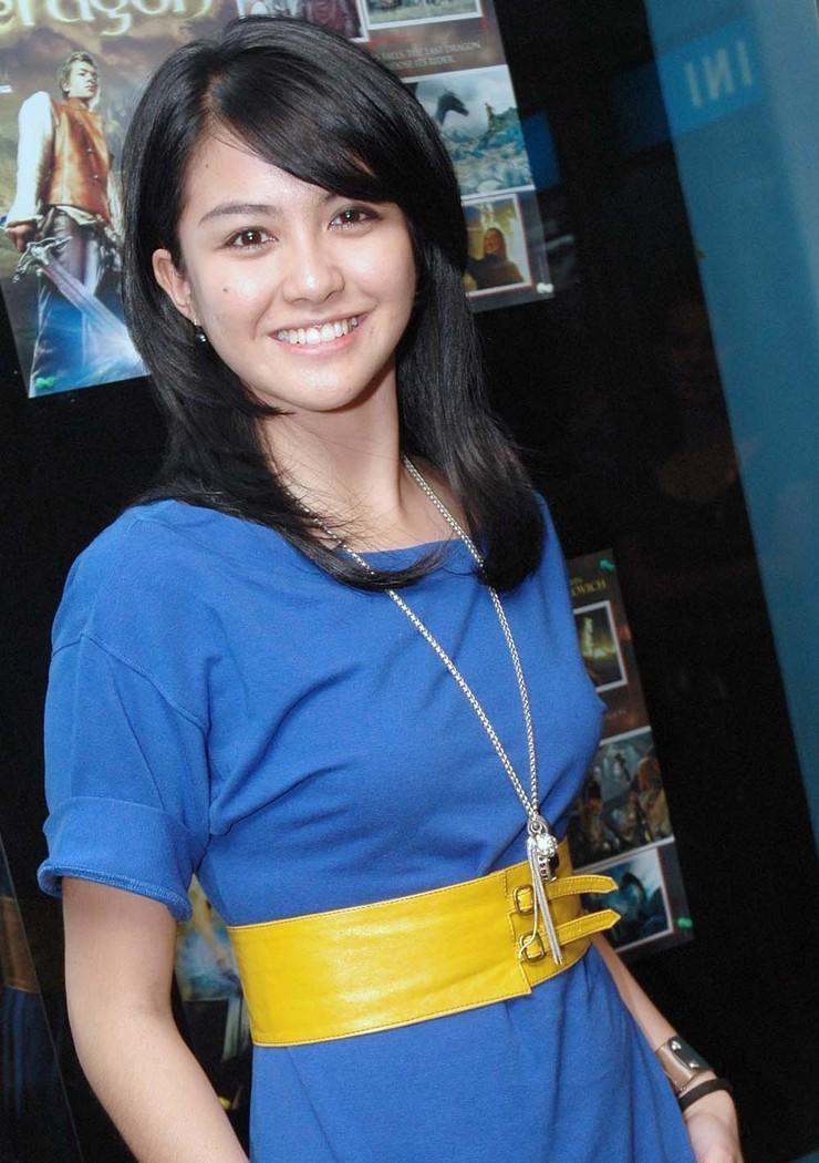 Revalina S Temat, Artis Cewek Cantik Indonesia
