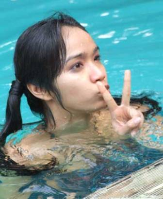 Intan Ayu, Swimming Pool Bikini Lingerie