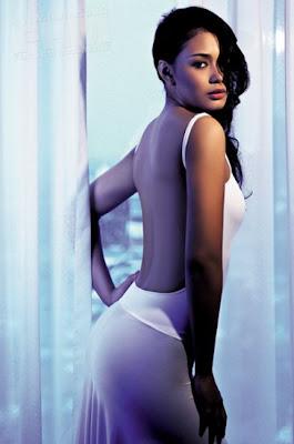 Foto Seksi syur Indonesia artis Adinia Wirasti, foto seksi artis indonesia Adinia Wirasti lagi nungging