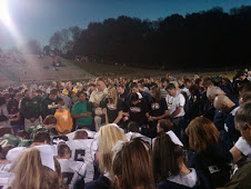 Tennessean's Pray Together Before Football Game
