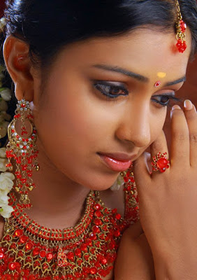 Actress-Amala-Paul-Hot.jpg (550×779)