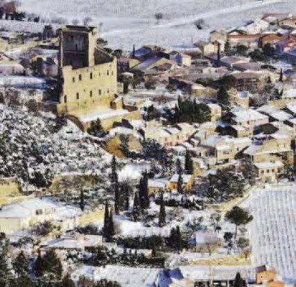 La maison du faucon la provence sous la neige vue du ciel for Photo vue du ciel de ma maison