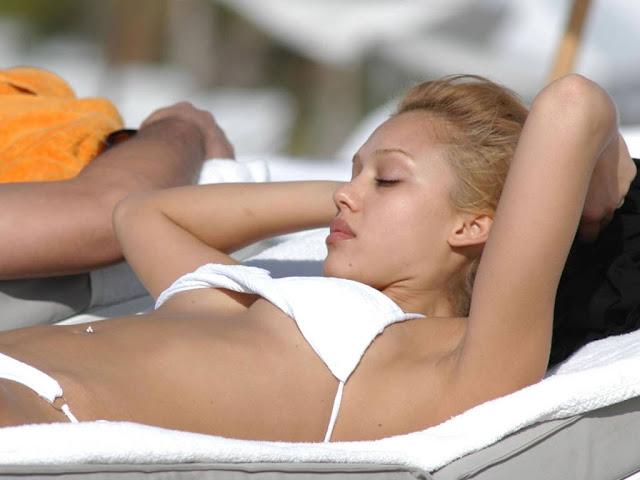 Sexy Bikini Top Jessica Alba