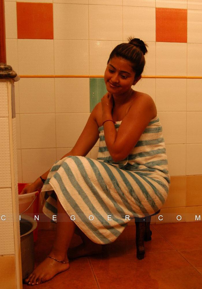 Trisha-Bath-Room-Video.Fanz.in/United-States