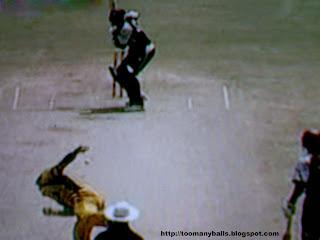 Australia v/s West Indies : toomanyballs