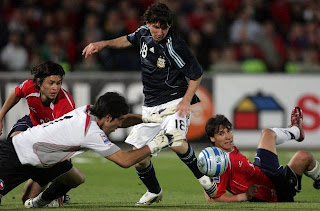 WC Qualifiers Round 10 : Chile v/s Argentina
