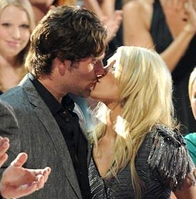 Sports news update nhl superstar mike fisher marries for Who is carrie underwood married too