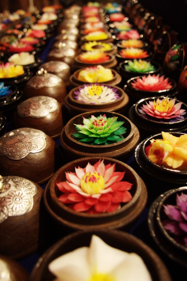 http://1.bp.blogspot.com/_8M4A38LyBBs/TI4b0a6zr6I/AAAAAAAAeVE/j267QpYQnQ4/s1600/Beautiful+Soap+Flowers+5.jpg