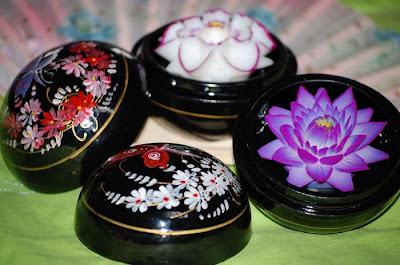 http://1.bp.blogspot.com/_8M4A38LyBBs/TI4b14-lT3I/AAAAAAAAeVU/W9fTjGahnaw/s1600/Beautiful+Soap+Flowers+7.jpg