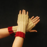 Fingerless gloves really keep your hands warm...click here!