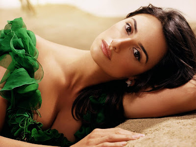 hot and cool wallpapers of Penelope Cruz