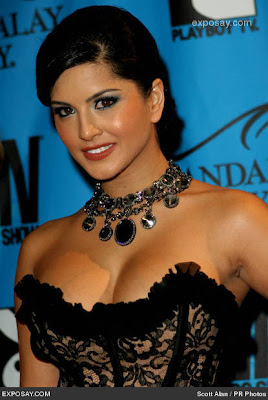 [sunny-leone-2008-avn-awards-red-carpet-7Pa1uQ.jpg]