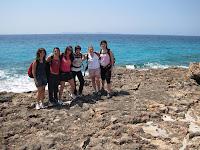 De camí a Cala Màrmols amb l'Illa de Cabrera de fons