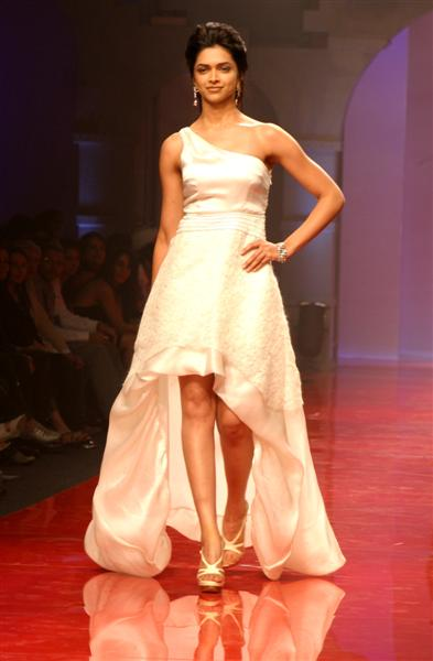 deepak-chopra-hot-boobs-nude-girls-by-dirtbikes