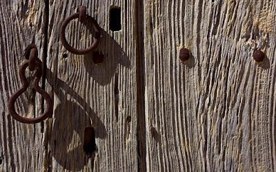 Humores las puertas que se cierran for Puertas que se cierran solas