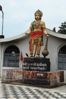 Hanuman statue at the Chamunda Devi temple
