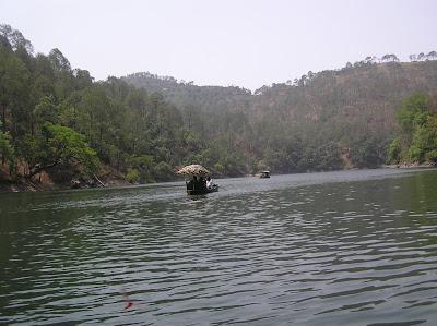 The lake at Saatal