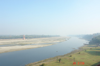A view of the Yamuna river right next to the Taj Mahal