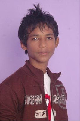 Sandeep Upadhyay as Billu