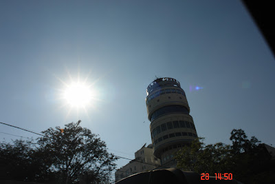 Photo of the revolving restaurant in Jaipur under a harsh sun
