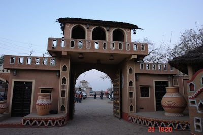 Photo of The ceremonial entrance to Chokhi Daani near Jaipur