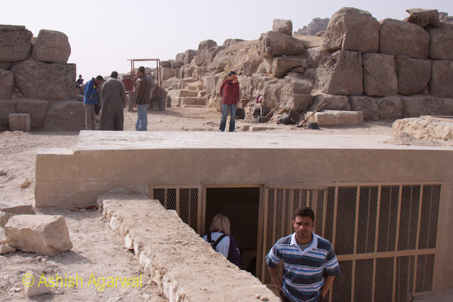 Cairo Pyramid - A structure adjoining to the Great Pyramid, possibly the tomb of a nobel, stock photo