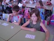 Se complementa el bingo de multiplicar con palabras relacionadas con la localidad.