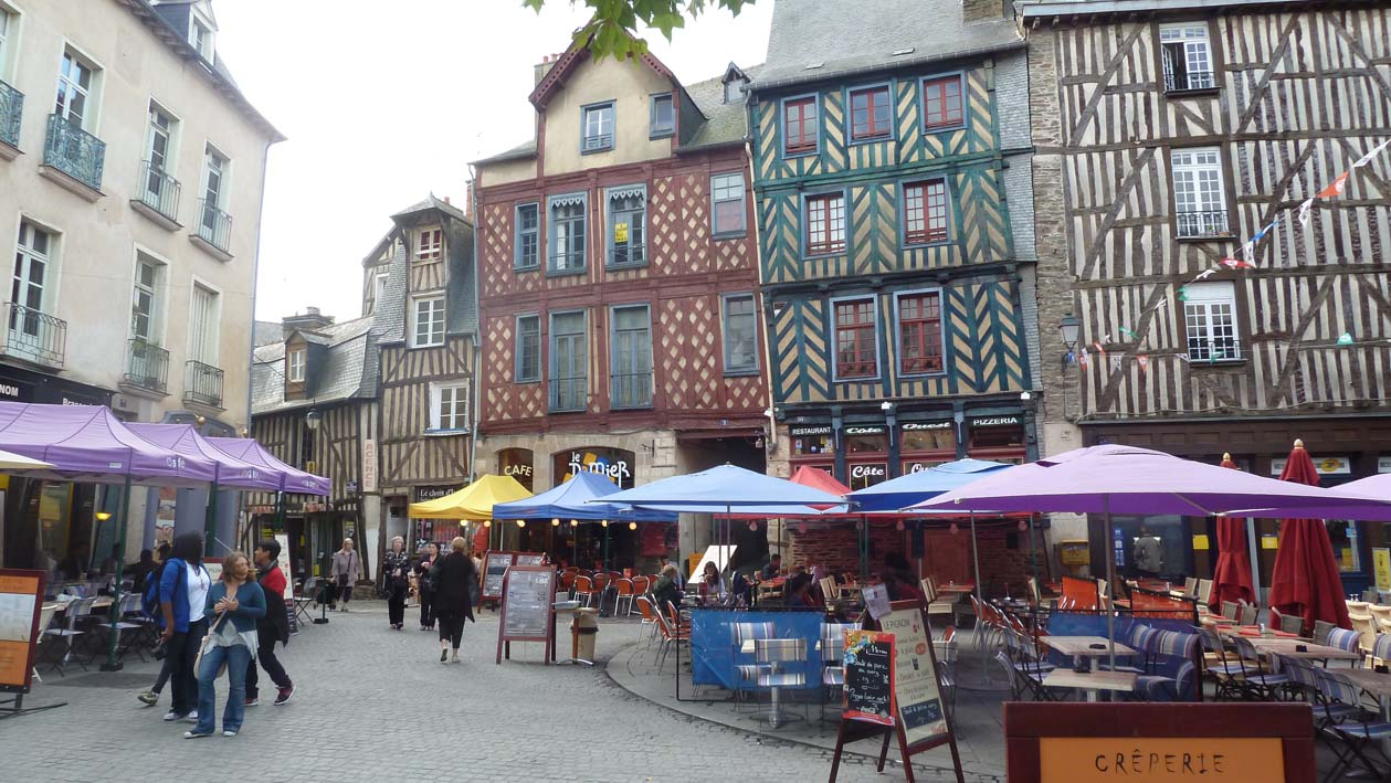 Adventure cruising uk rennes medieval architecture for Architecture rennes