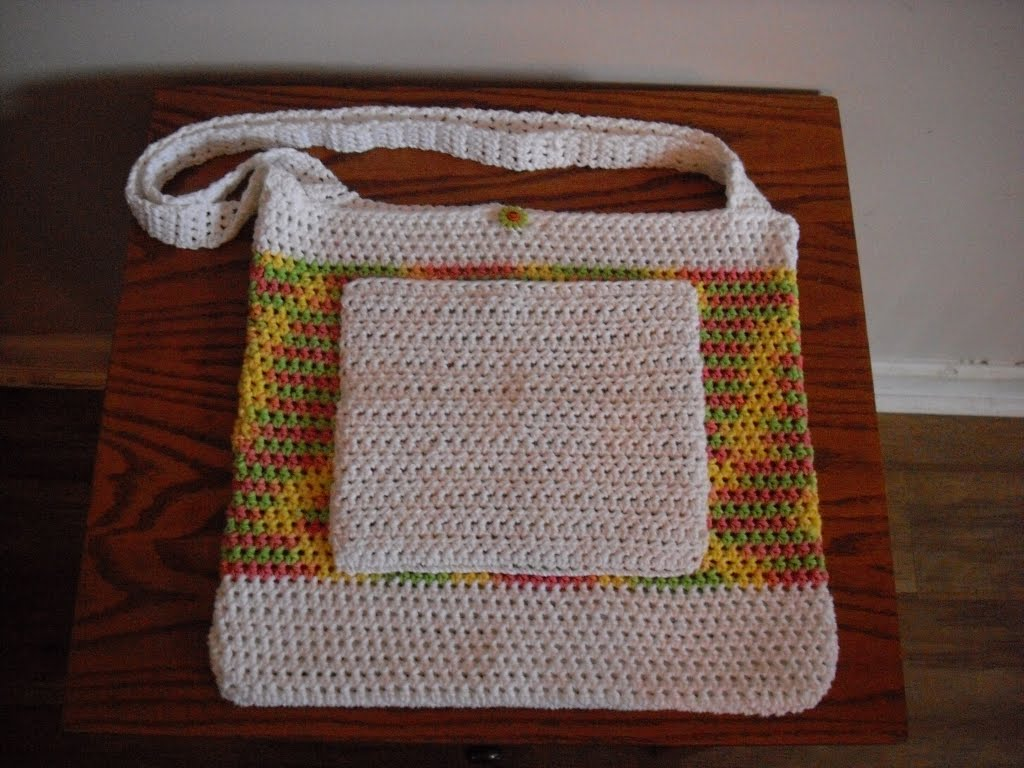 Crochet Bag With Pockets Pattern : Peanutzmoms Pattern Place: Crochet Beach Bag Pattern