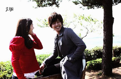 My Hyun Joong is sharing his blanket with Min min    And I dont mind    Kim Hyun Joong And Jung So Min Kissing Scene