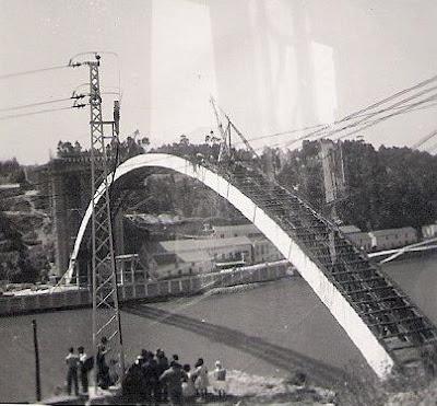 Ponte de Arrábida, Porto.