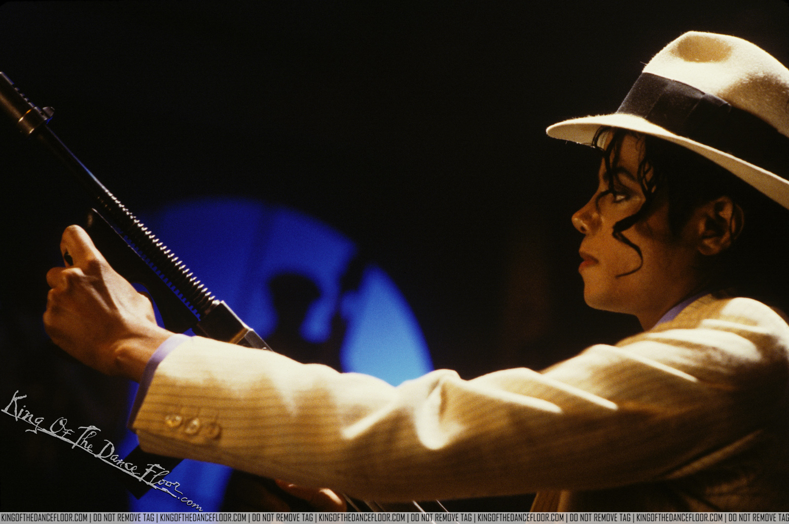The official ultimate michael jacksonology blog club 30 39 s the story of a smooth criminal - Michael jackson smooth criminal pictures ...