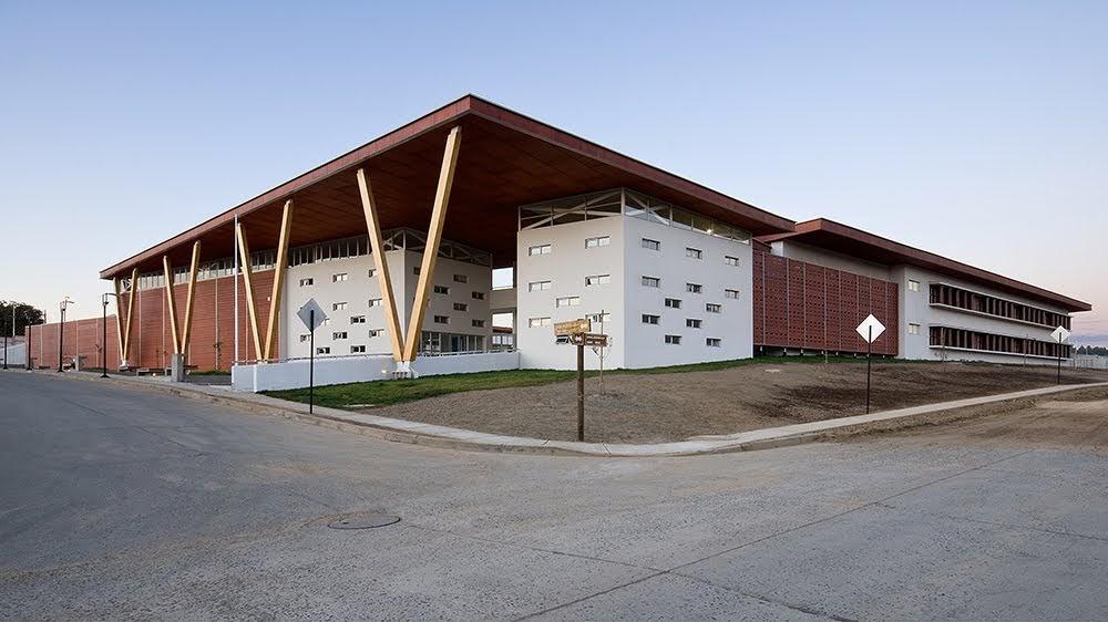 Arquitectura arquidea liceo san ignacio de empedrado for Edificios educativos arquitectura