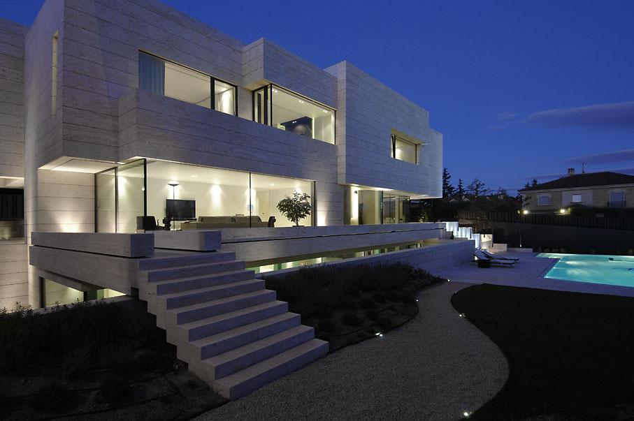 Vivienda unifamiliar en las rozas casa minimalista for Arquitectura moderna minimalista