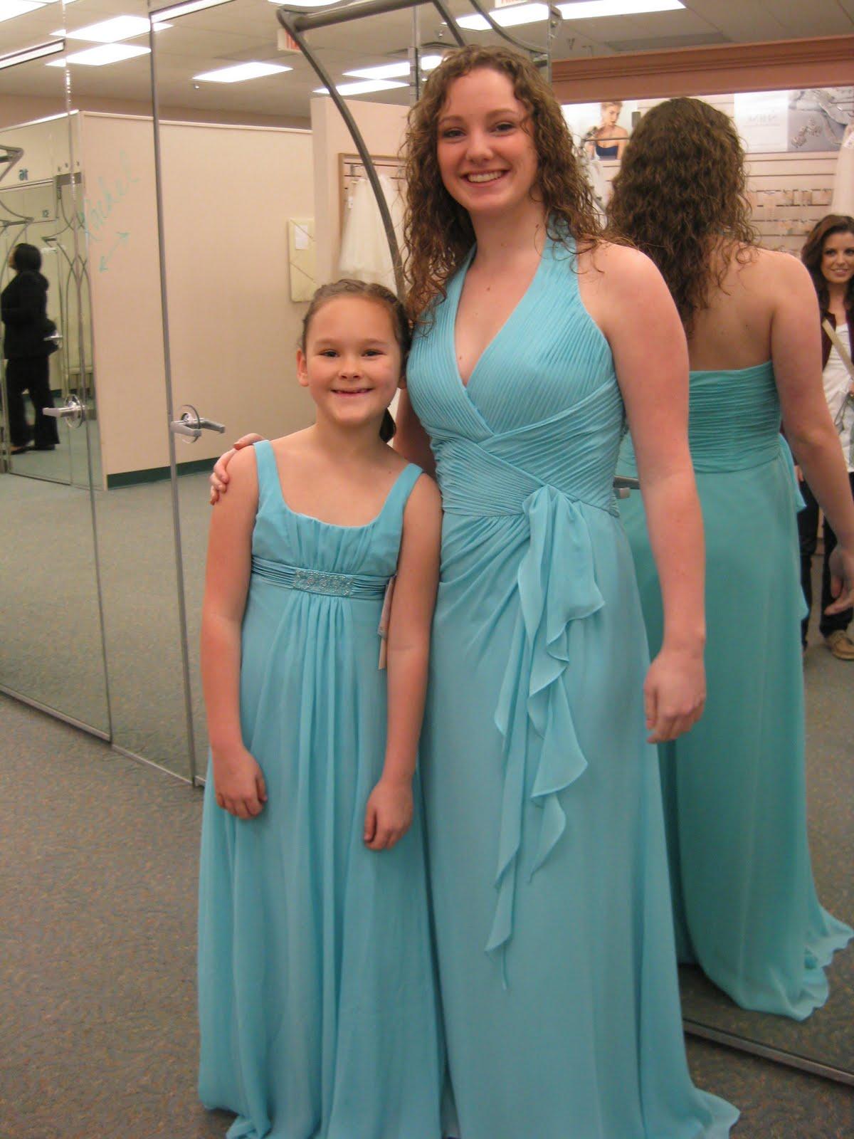 Spirals & Spatulas: Gosh... my bridesmaids are SO pretty!