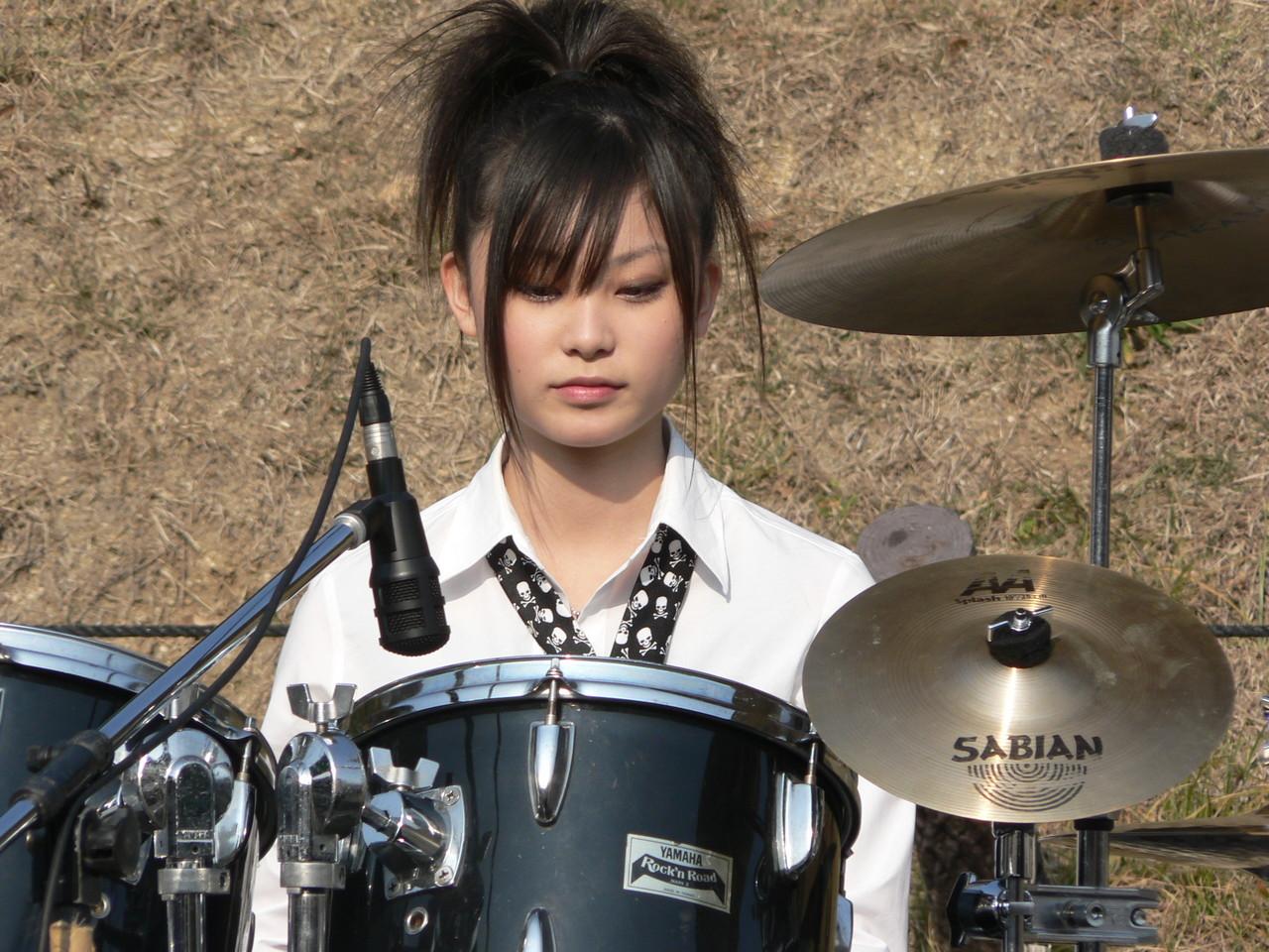 http://1.bp.blogspot.com/_8ZatmiwiGUk/TOwOV4WZpDI/AAAAAAAAACU/mEUU8vWZpsk/s1600/Rina+Suzuki+2.jpg