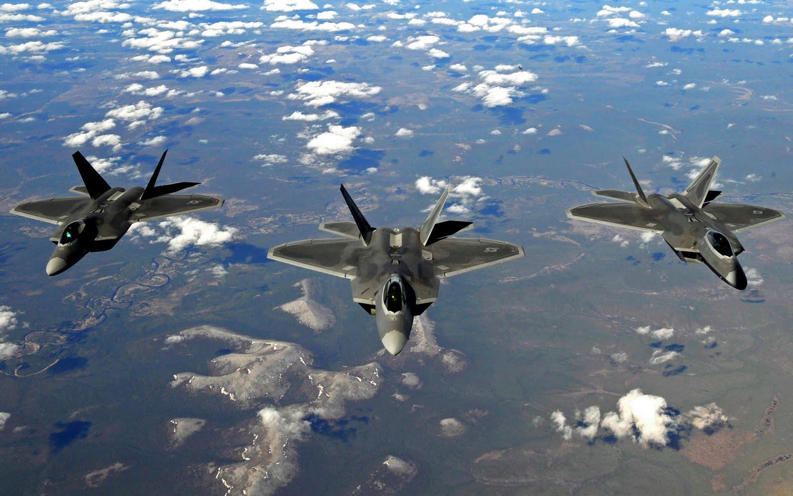 http://1.bp.blogspot.com/_8_4GnCTp578/TA0U14gmSgI/AAAAAAAABYY/HmDTh7gRg1U/s1600/ThreeShipRaptors.jpg