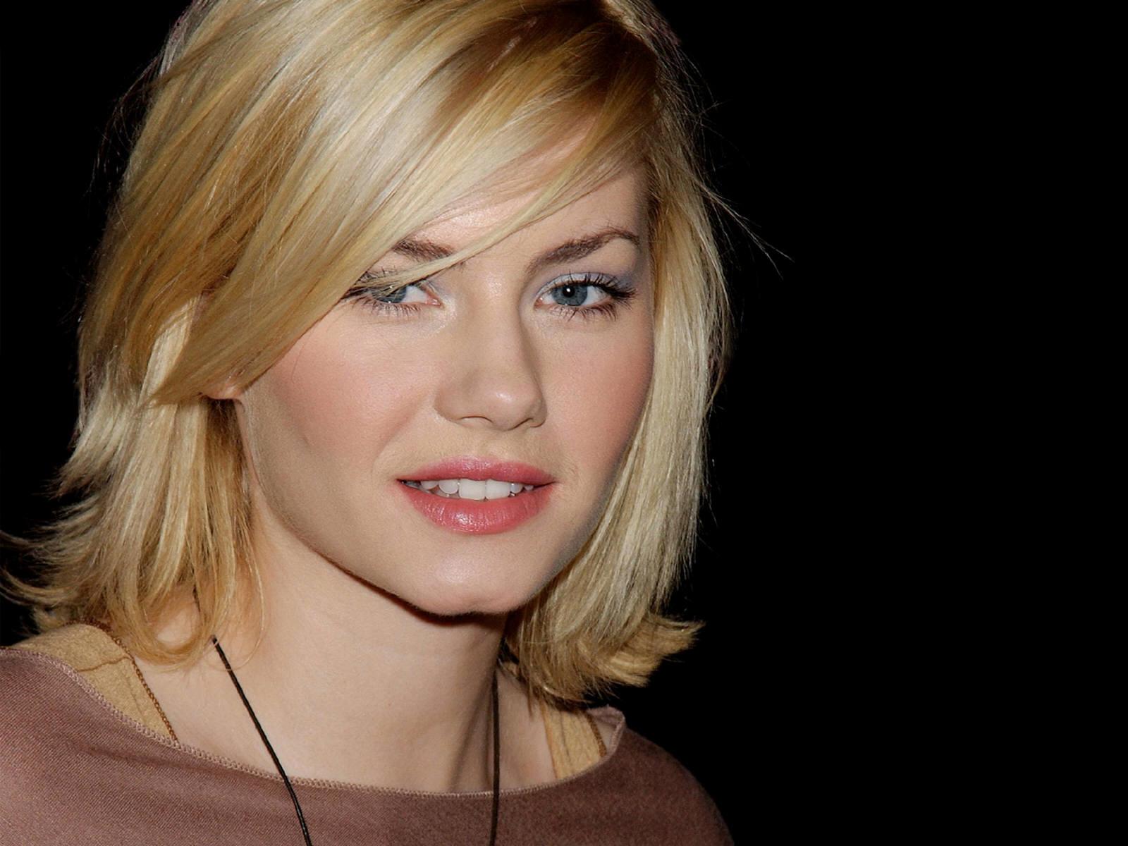 http://1.bp.blogspot.com/_8_CLn-I1Tfc/TSHlX_SupeI/AAAAAAAAARo/KWq7ZCgK1MQ/s1600/sexy+lips.jpg