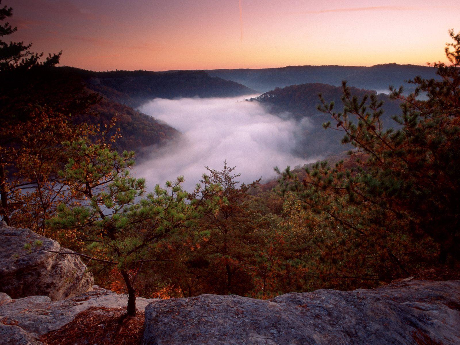 http://1.bp.blogspot.com/_8_CLn-I1Tfc/TUWx9848bOI/AAAAAAAABt0/o-UyFdQHpAM/s1600/Foggy+Morn%252C+Red+River+Gorge%252C+Daniel+Boone+National+Forest%252C+Kentucky.jpg