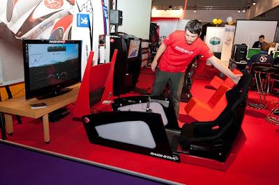 race cockpit by Race-Star ConverTTable